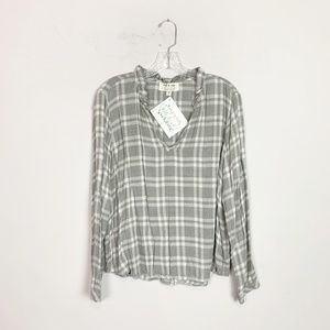 Anthropologie | plaid v neck pullover top grey L